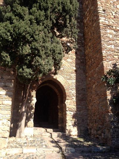 L'une des portes de l'Alcazaba ©Régine Cavallaro