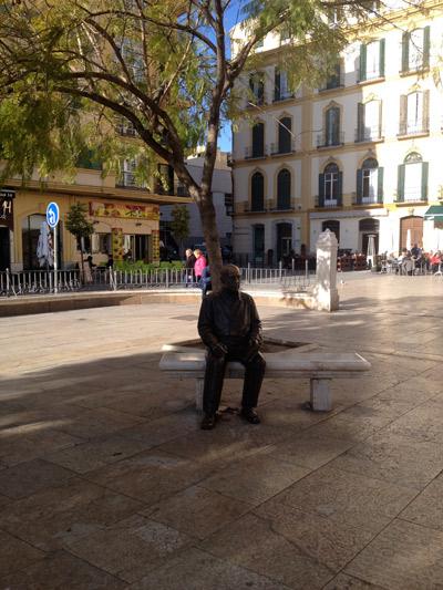 Statue de Picasso devant sa maison natale ©Régine Cavallaro